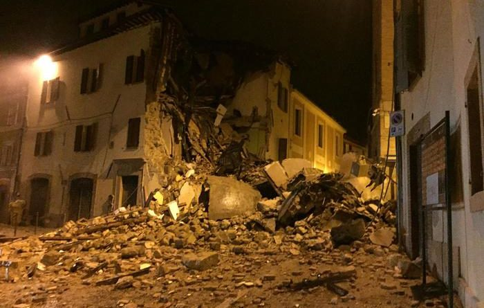 Damnaged building in Camerino, Macerata district, Center Italy, 27 October 2016. Rescue teams are on their way to isolated villages near the epicenter of a 5.4-magnitude quake that struck central Italy Wednesday evening.   ANSA/Roberto Almonti