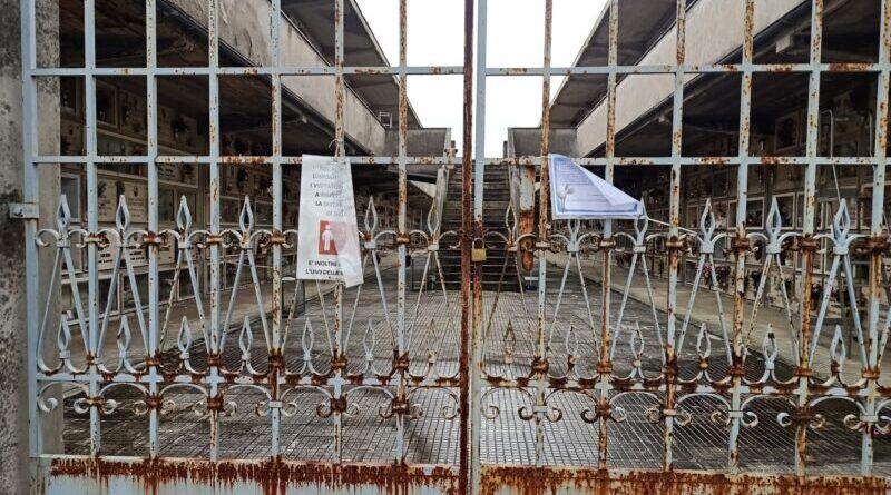 Cimitero Santa Maria, una fiaccolata per sollecitare la riapertura di diversi settori