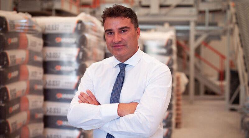 Diasen al lavoro nella Belgrado che sogna il futuro europeo